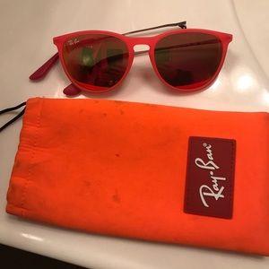 Kids Ray ban sunglasses 🕶👧🏼